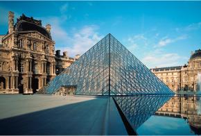 Pirámide del Ingreso al Museo del Louvre, París, 1989